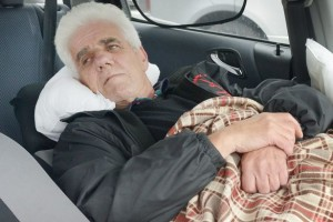 PAY-Desmond-McLaughlin-has-been-sleeping-in-his-car-for-five-weeks